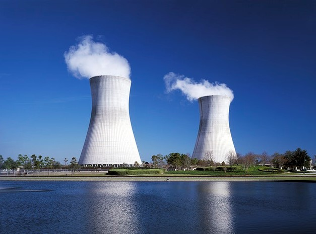 Nuclear reactors nearby a waterfront